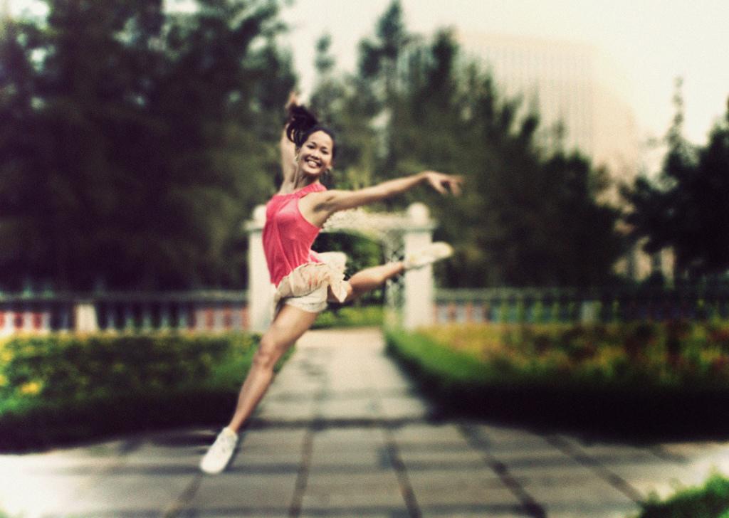 從舞蹈家轉換跑道成獵人頭 ..?