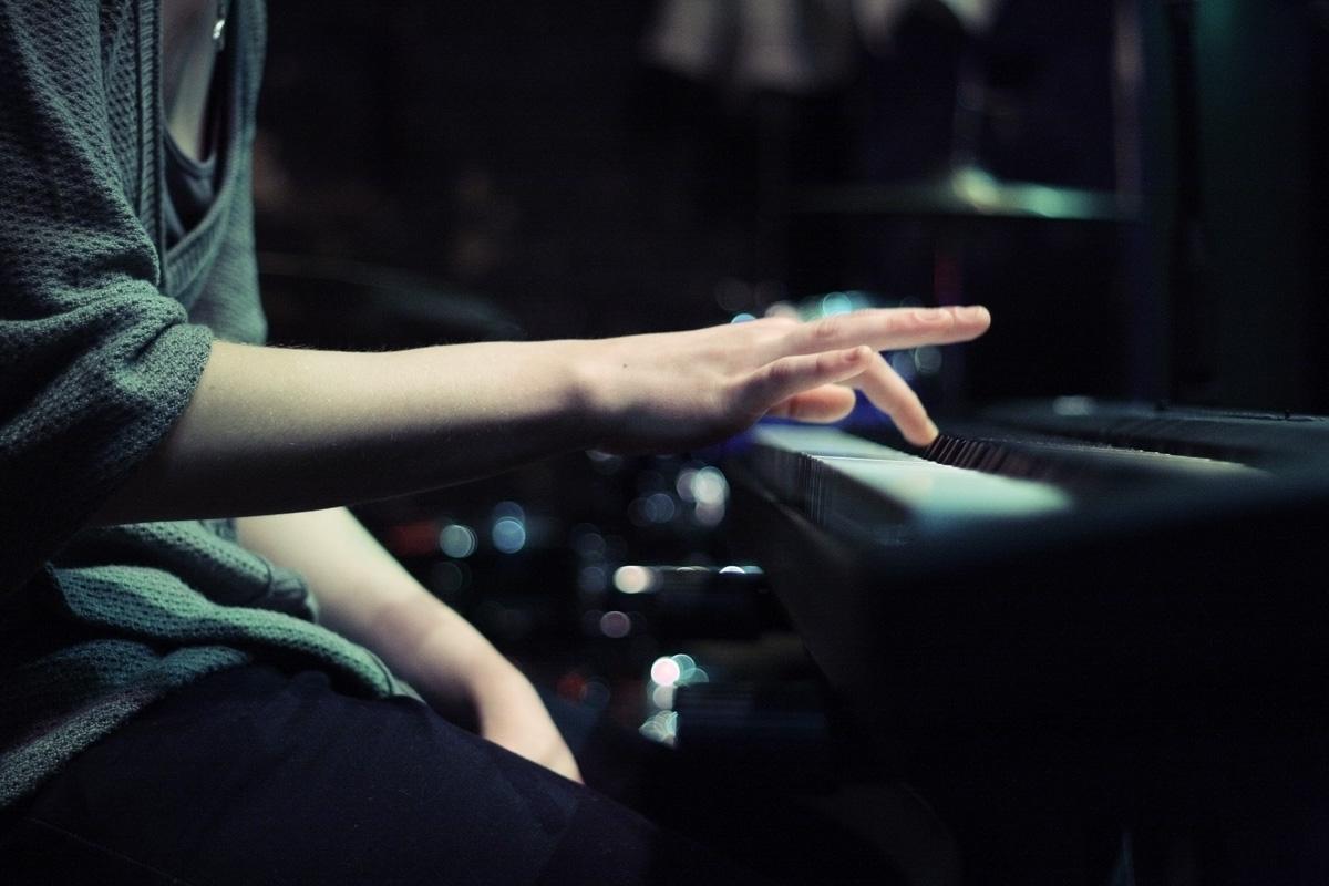 邏輯與感知交織而成的音樂人生