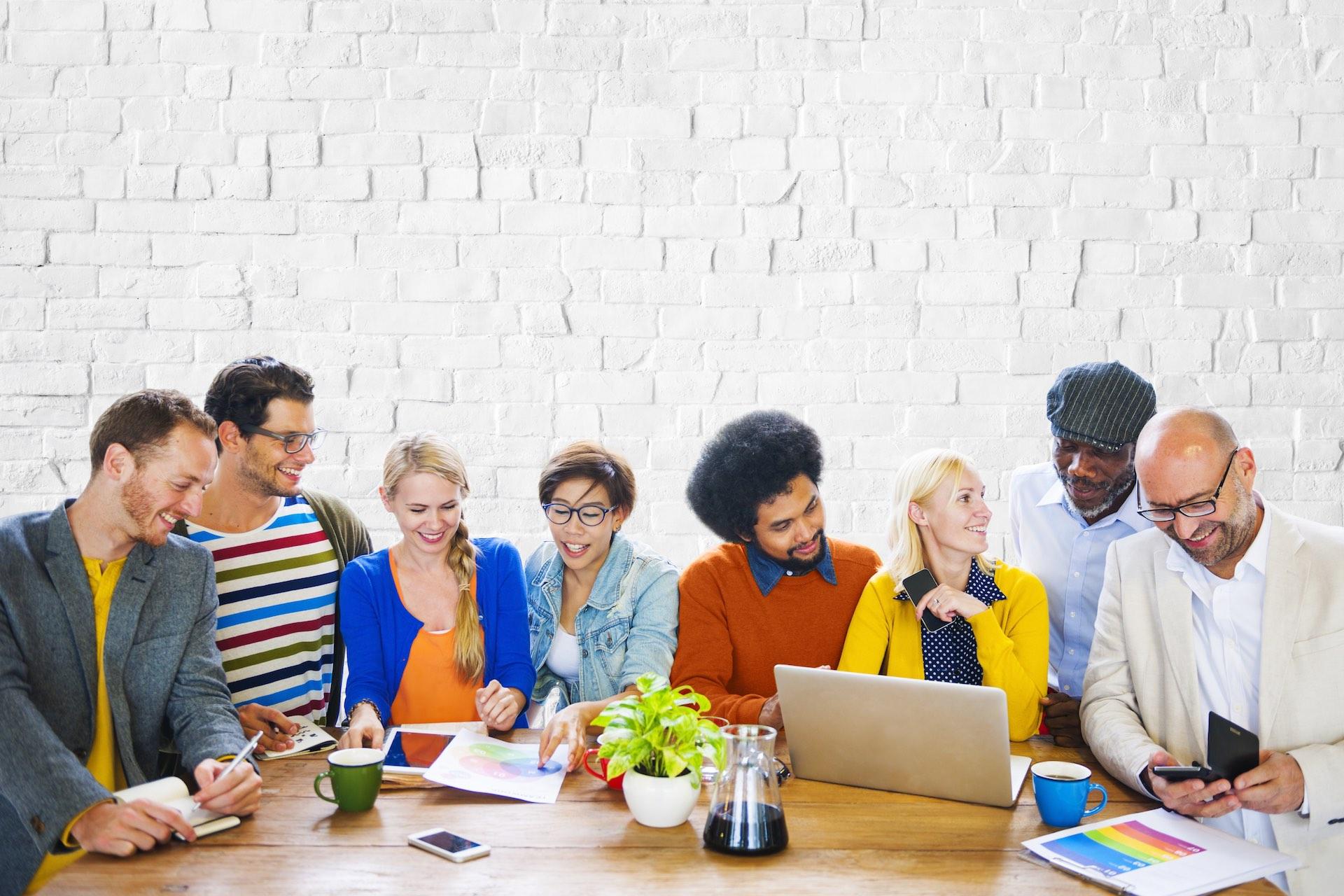 辦公室越來越像小型聯合國-多元文化下的團隊合作