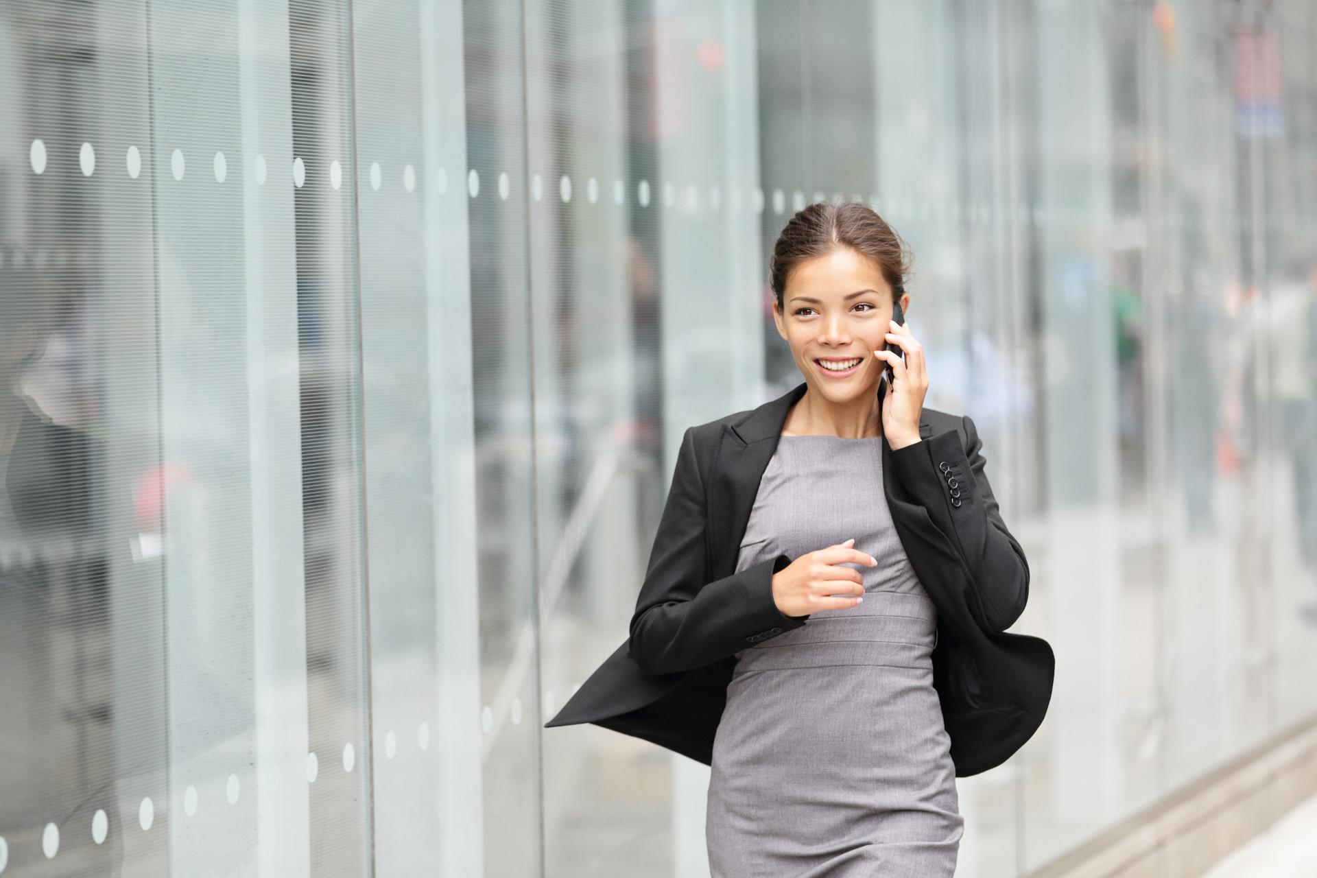 別把問題想簡單了,職場女性也在乎薪水、一樣有自信