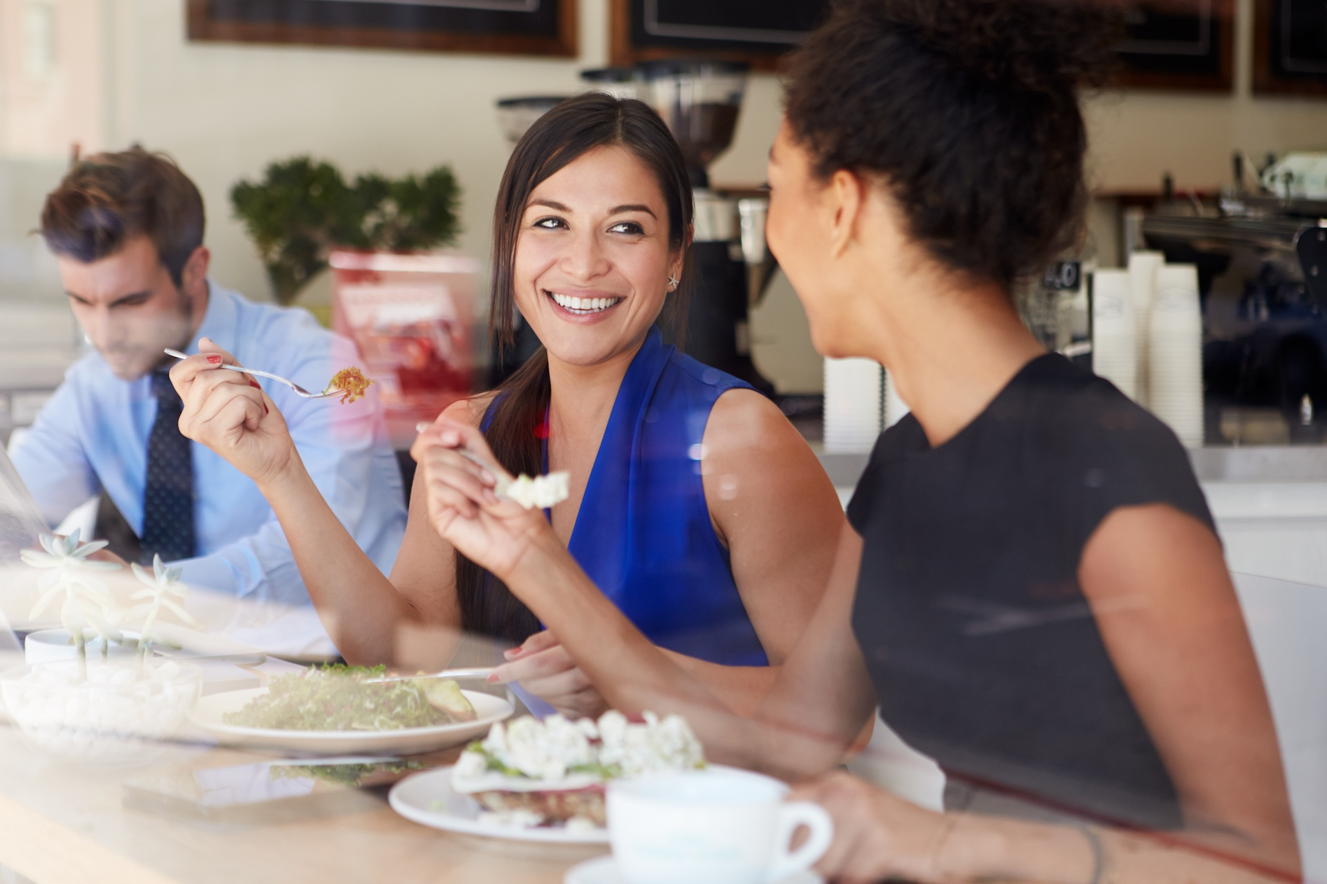 午餐不要一個人吃:那看歐洲人才怎麼聊天