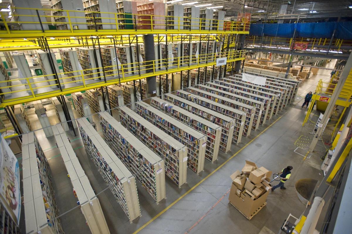 倉儲物流 + 智慧科技 – 倉庫工作不是搬貨,而是高科技公司員工